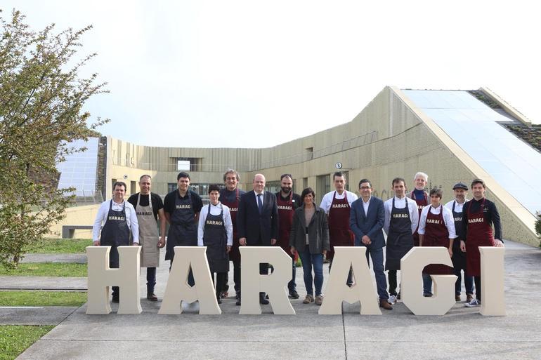 Olatz Peon, Tolosako alkatea, eta Joxe Mari Aizega, Basque Culinary Centereko zuzendaria