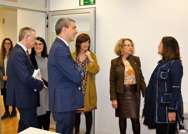 Artolazabal, en las oficinas del servicio de atención familiar en Donostia