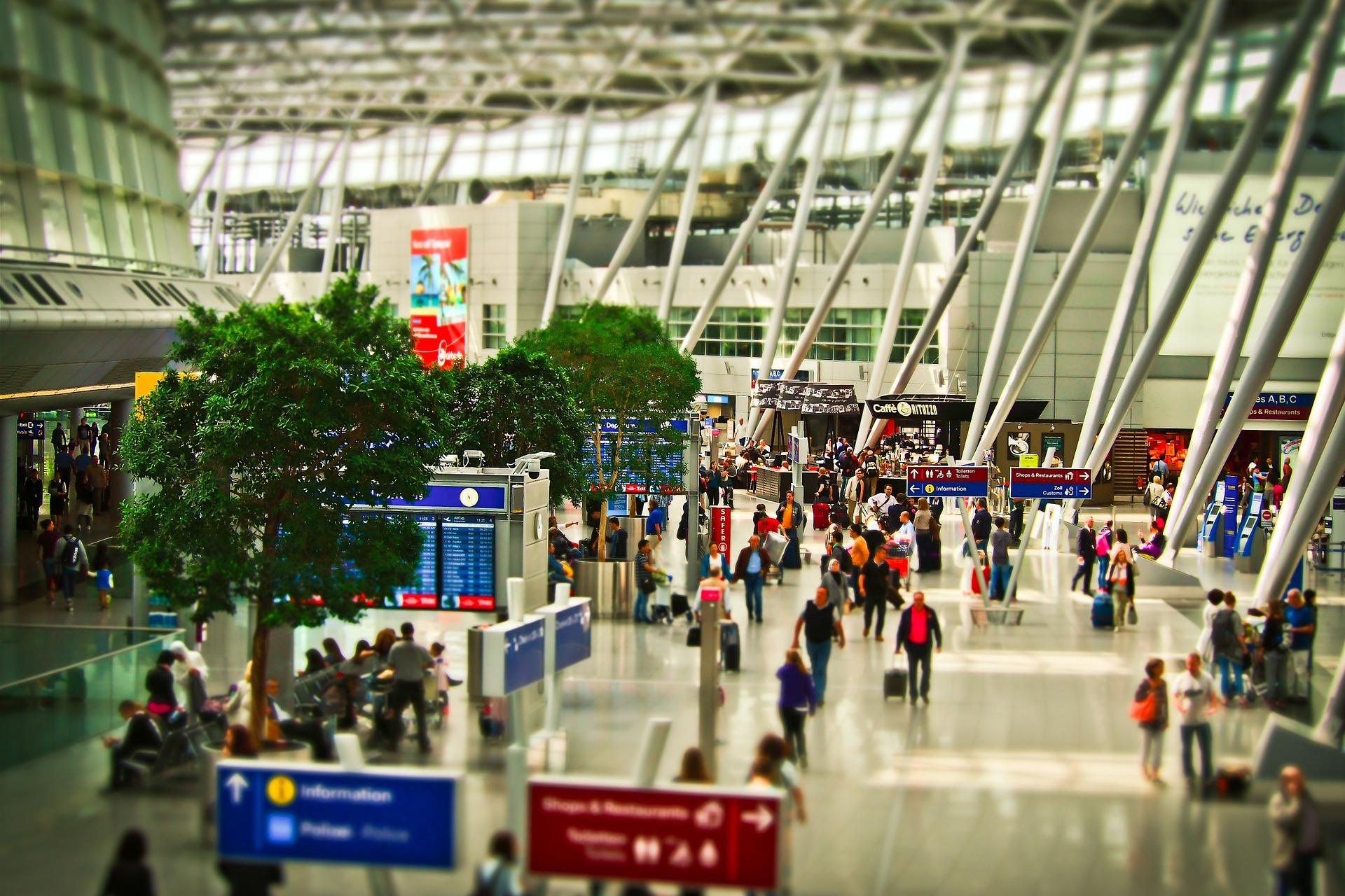 airport-1515448_1920.jpg