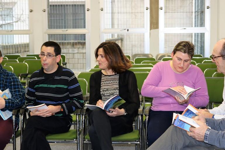 """Foto Archivo: Beatriz Artolazabal, en el encuentro de """"Superlectores"""" de har Eman en Vitoria-Gasteiz"""