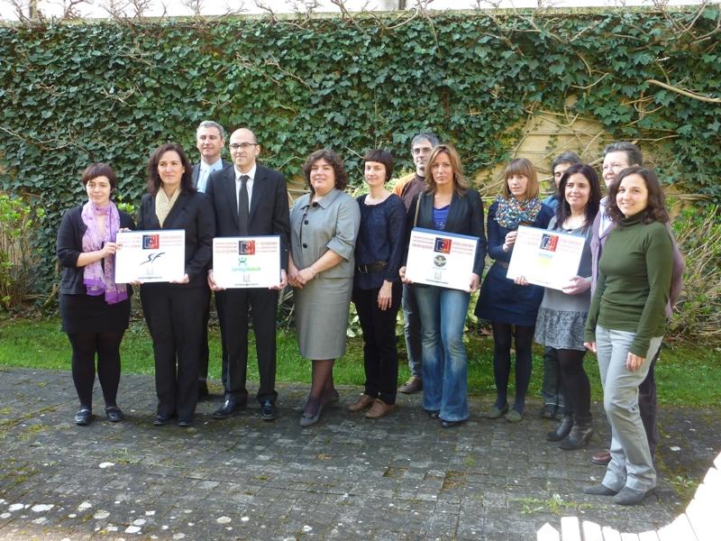 2011-03-31_entrega_placas.JPG