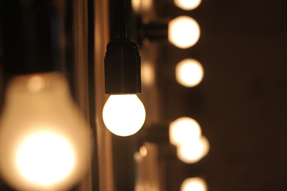 light-bulbs-1869945_960_720.jpg