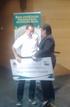 Pilar Unzalu entrega el premio a Sergio Fernández, ganador del VI Concurso de Emprendedores de Itsasmendikoi