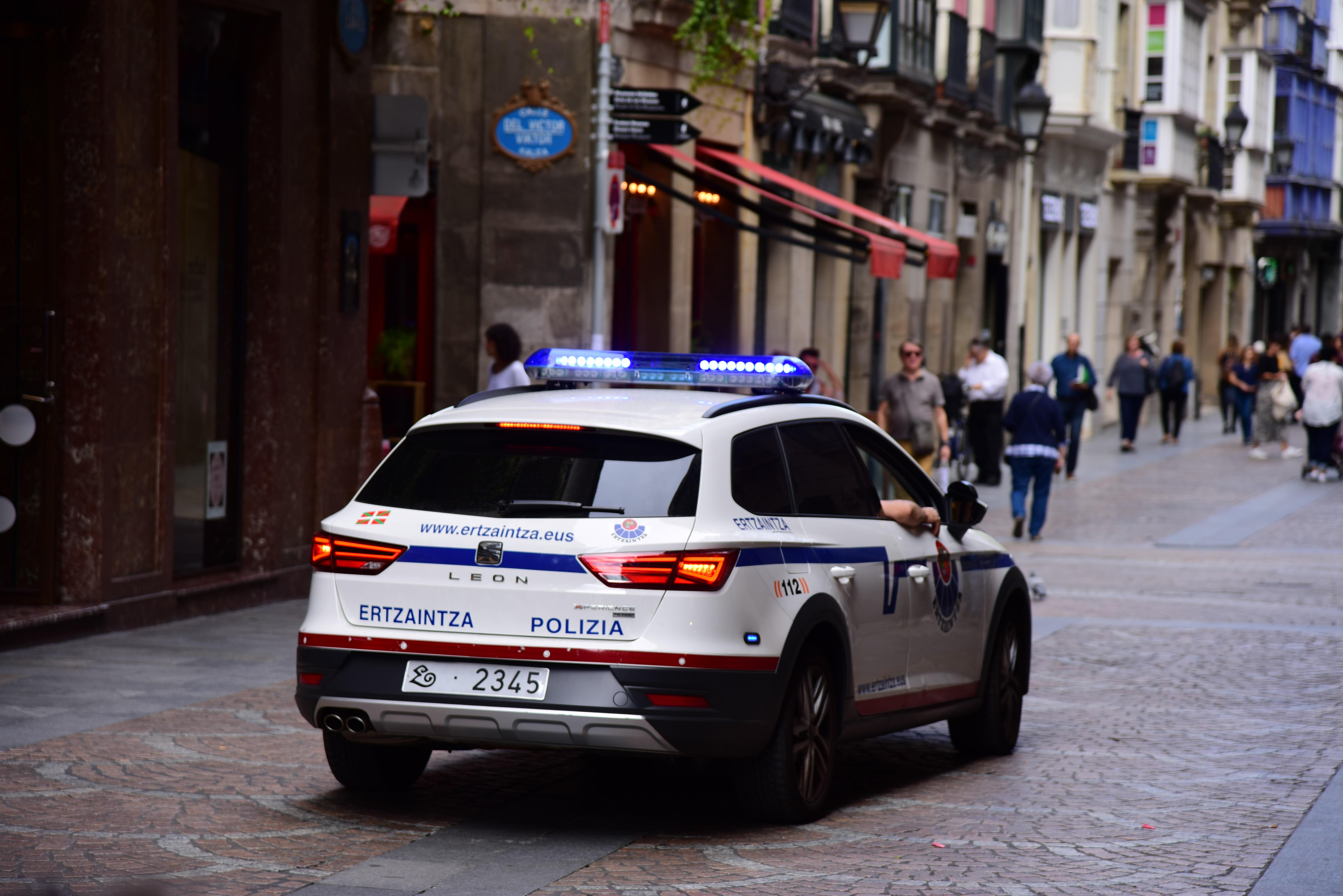 Vehiculo_patrulla.jpg