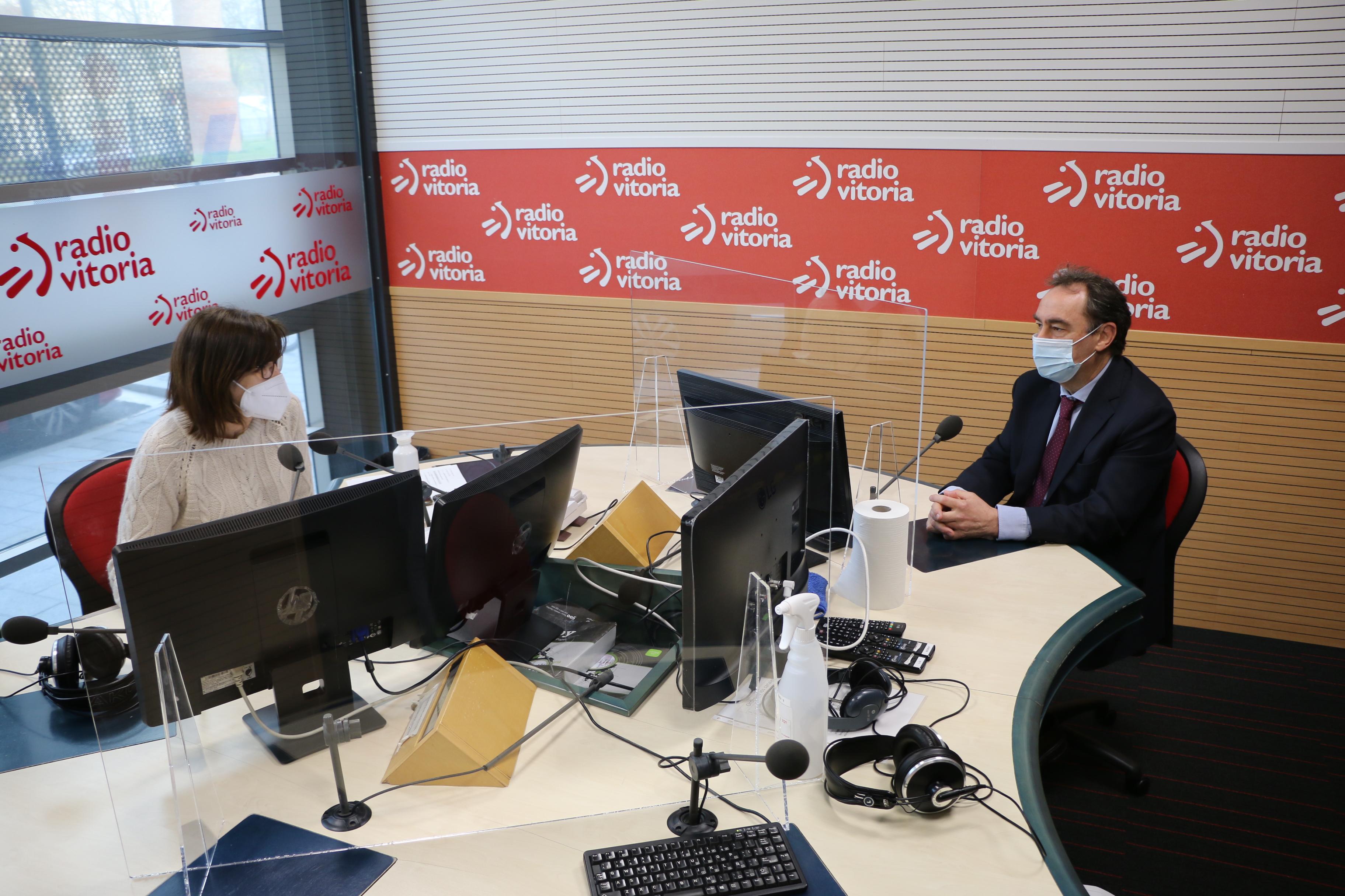 Antonio_aiz_radio_vitoria.JPG