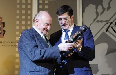 El Lehendakari entrega el premio René Cassin a Marcos Ana