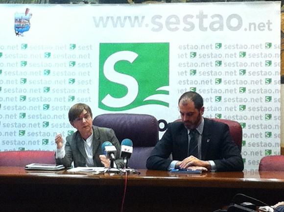 La consejera y el alcalde de Sestao