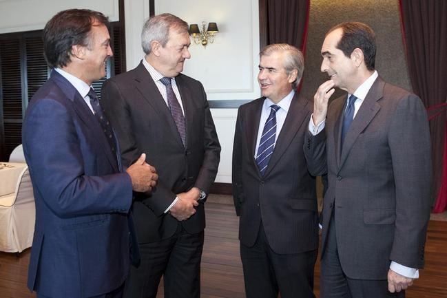 Carlos Aguirre, Antonio Barrenetxea, Jose María Bergaretxe y Enrique Portocarrero